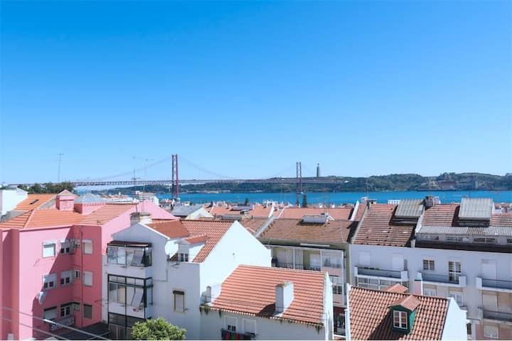 Panoramic view terrace apartement in Belem Ajuda