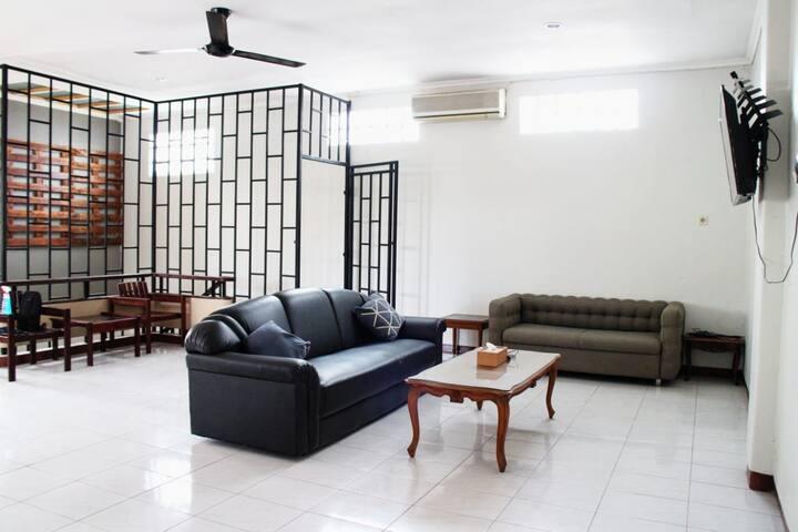 cozy harmoni DP 41 Room 1. (share public space)