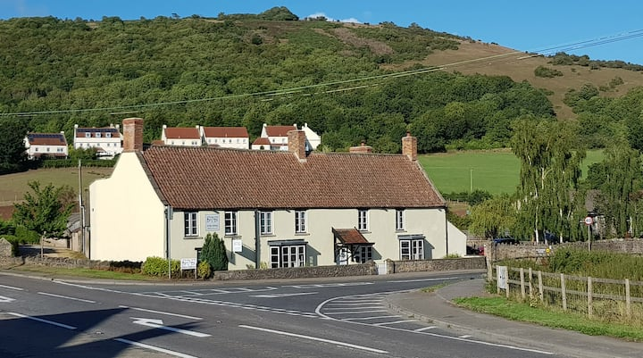 AA 4* B&B, Modern 400yr old ex-Coaching Inn