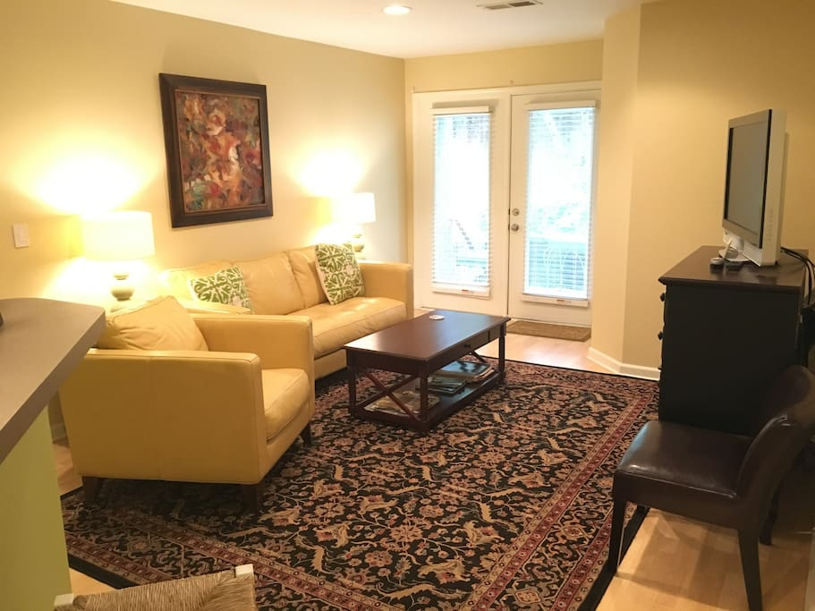 Central And Walkable Private 2br Charlottesville Apartments For Rent In Charlottesville