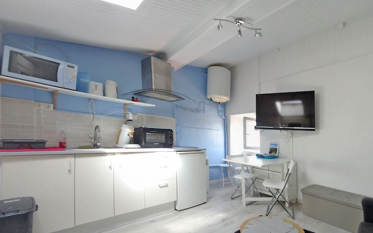 Living Room/Kitchen with Lcd tv