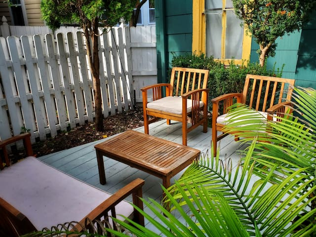 The shared garden is chill and perfect for a quiet morning or an afternoon hangout.