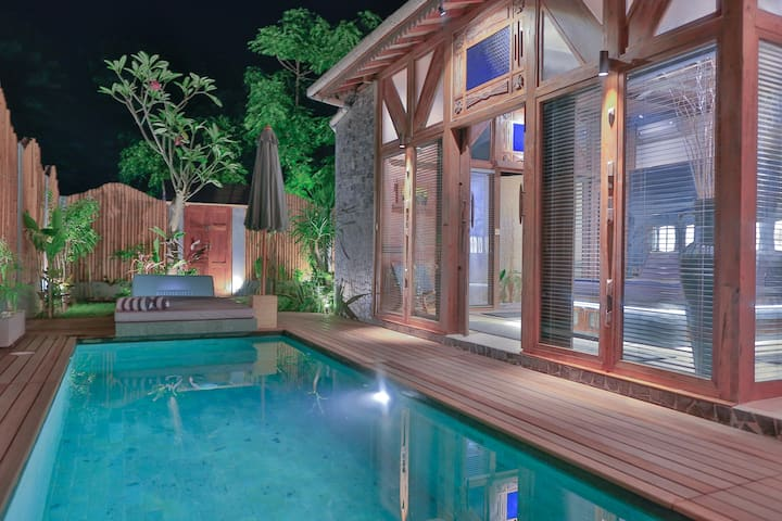 SAMSARA ..DELUXE VILLA WITH PRIVATE POOL GILI AIR