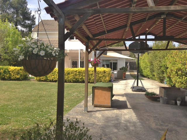 FULL 3 ROOM HOUSE WITH GARDEN & BBQ - Sant Cugat del Vallès - Rumah
