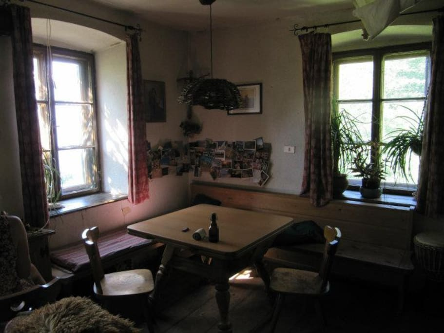 shared living - tabel can be extanded
