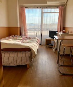 一条IVY semi-double bed room