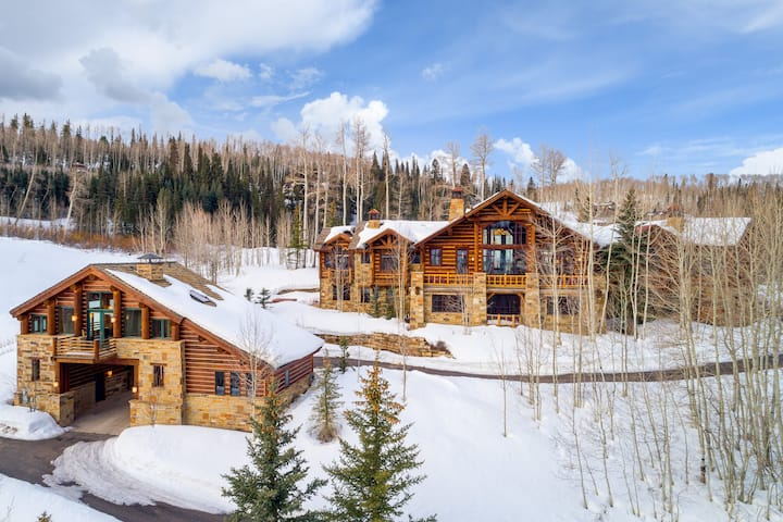 RUSSELL ESTATE - SKI-IN/OUT IN ABSOLUTE MOUNTAIN LUXURY