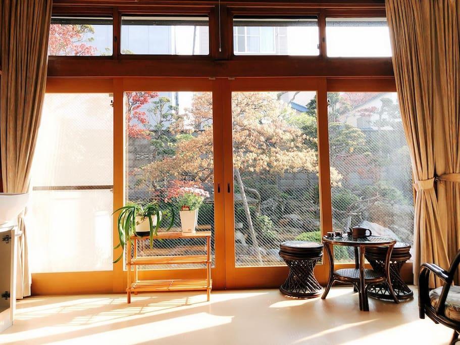 和室套间独享的园林风景