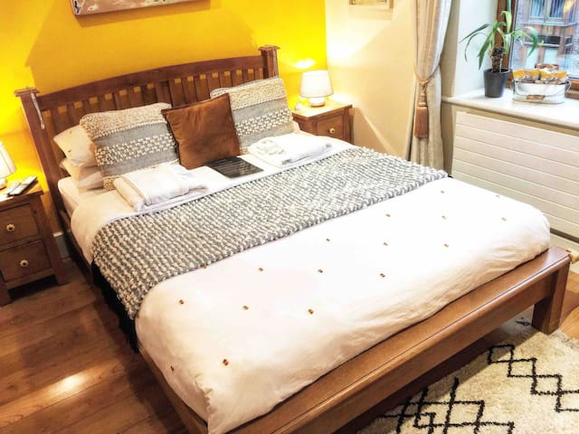 SOUTH CITY - Comfy & Creative Home in Foodie Area