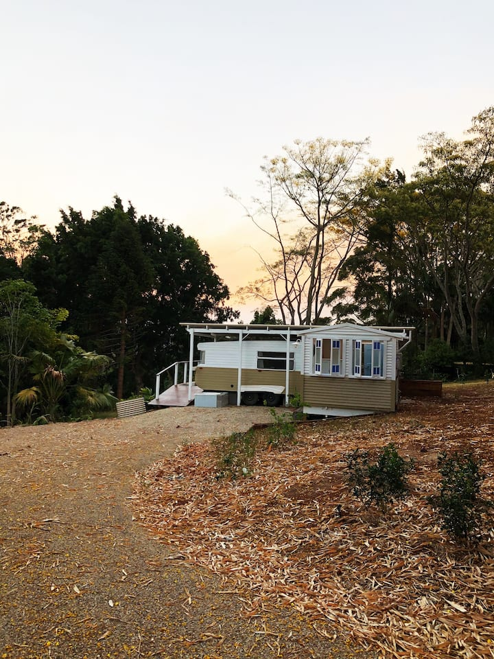 Poppy luxe caravan in the Byron hinterland