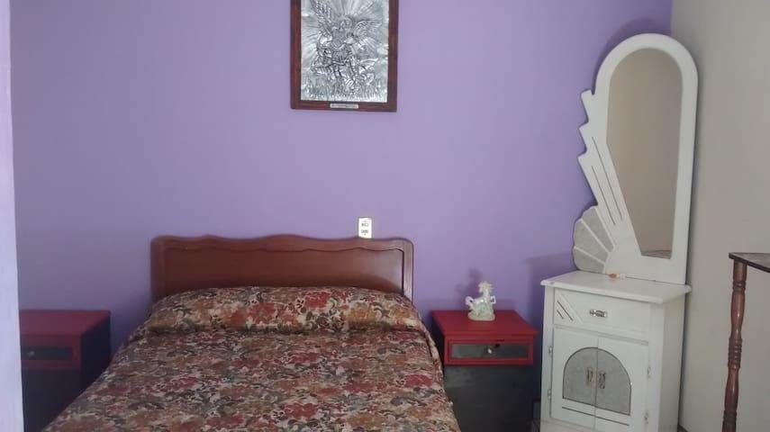 Renta de habitaciones amuebladas.
