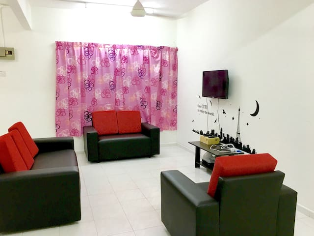 4BD homestay with 2 parking lots - Kangar - Dom