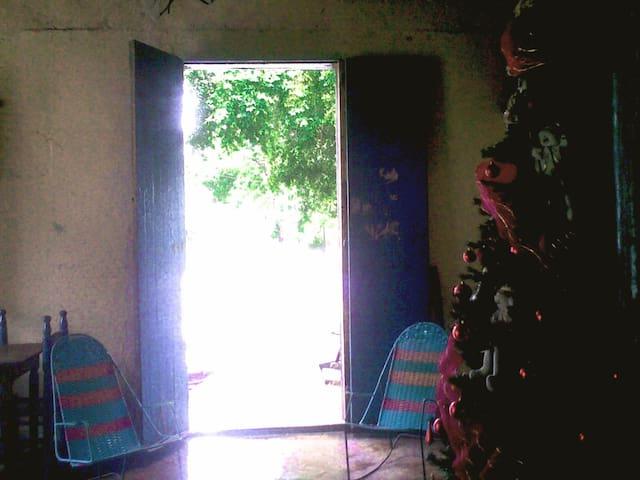 Linda residência tombada - Plaza Paraguachi - House