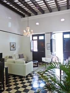 Casa Caracol - San Juan