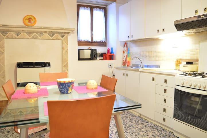 La Casa del Borgo - Toscolano Maderno - Dům