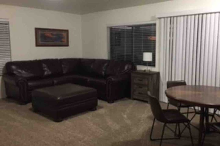 Great Value&Clean 2bed/1bath Apartment #1 6Guests