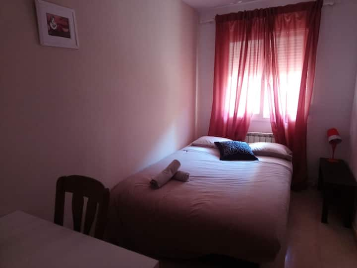 Hermosa habitación zona céntrica.