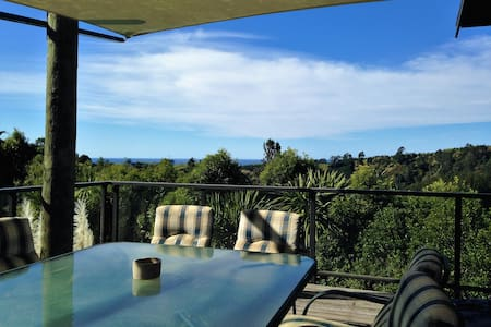 Bush retreat close to the beach. Self contained. - Waitao Papamoa