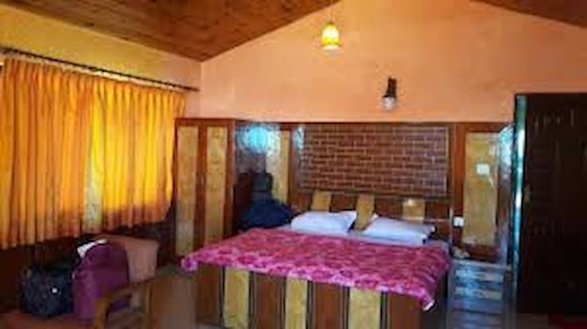 Hotel Dhanagiri With Deluxe Room