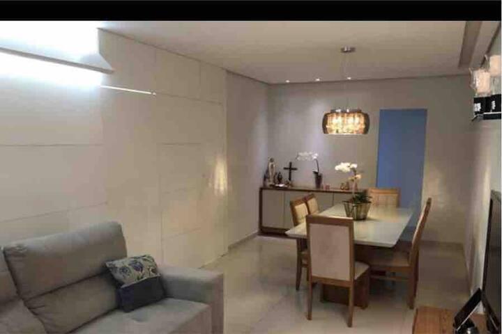 Excelente apartamento no todos os santos,2 quartos
