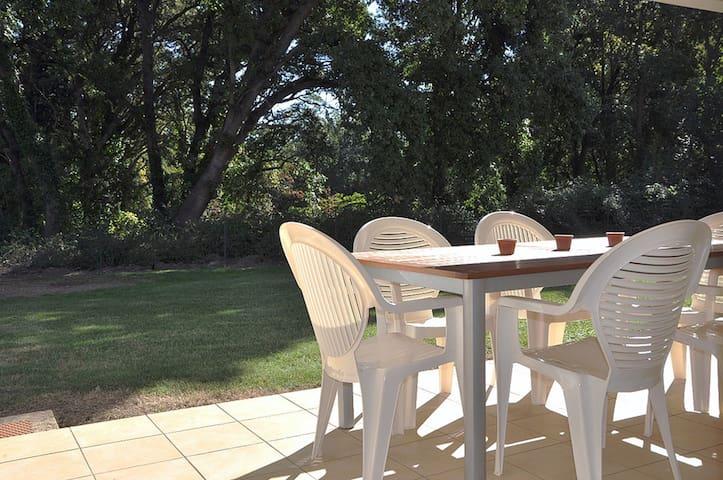 Appartement charmant avec grande terrasse au calme - Santa-Lucia-di-Moriani - Appartement