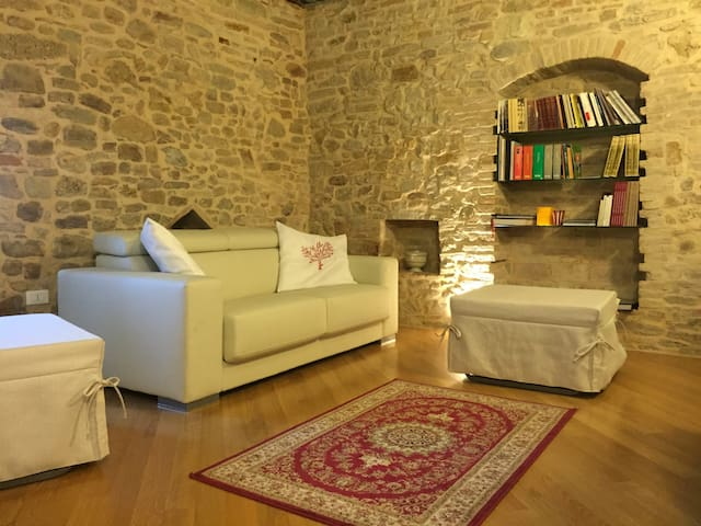 Dimora storica-Elegant Italian home - Canzano - House