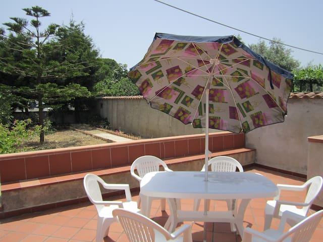 casa vacanza fuori dal caos cittadino - Villafranca Tirrena - Hus