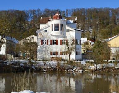 Silvester Ferienwohnungen im Schlossgut Inching