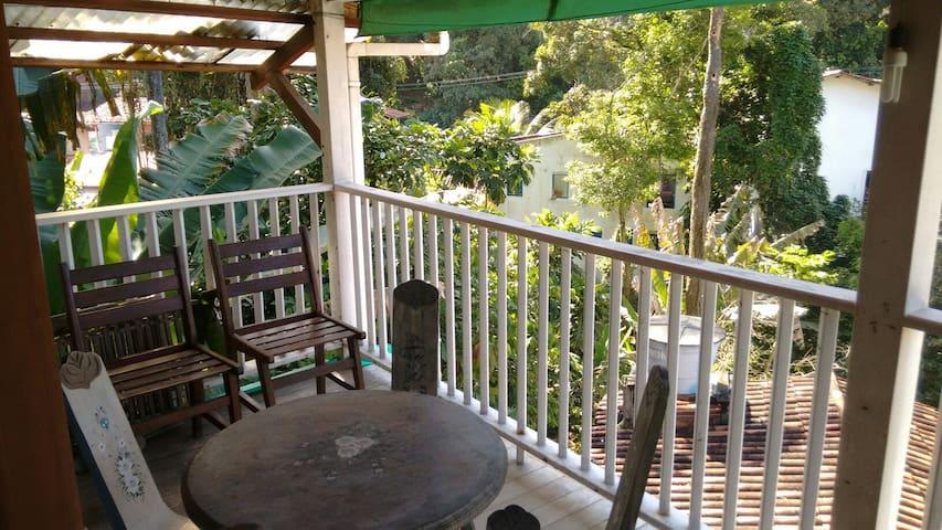 Comfortable apt. w/ hot tub, big balcony, quiet. - Cairu - Apartment