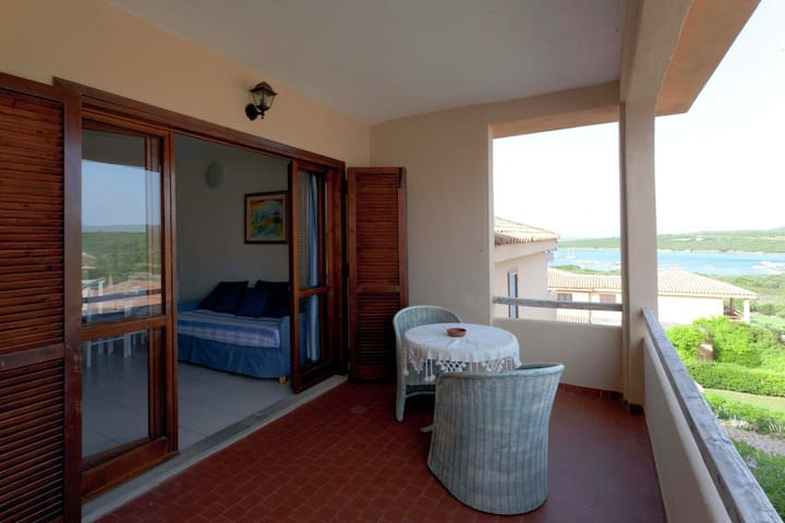 Stylish one bedroom apartment just a few steps from the sea