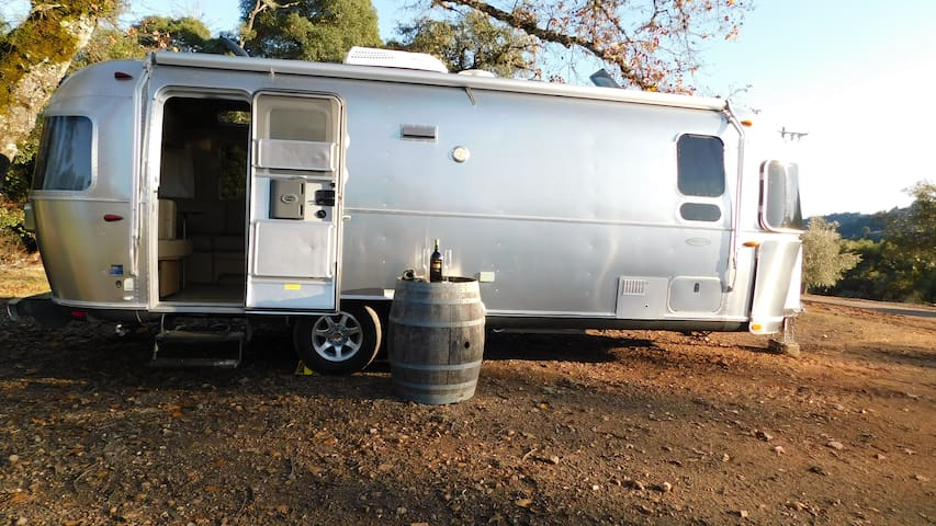 Awesome Airstream on a Vineyard