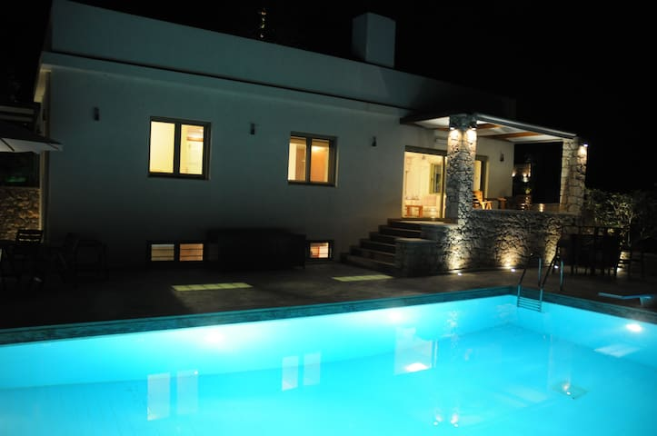 【TOP】Modern Villa*Gym*Private Pool*Garden*WiFi! - Sitia - Villa