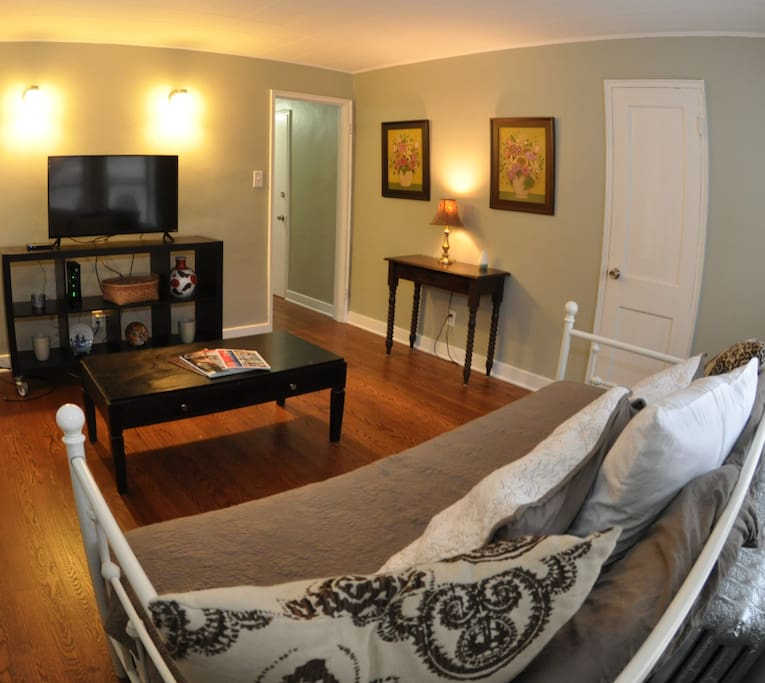 Awesome Updated 1 Bedroom Apartment For 4 Apartments For Rent In Chicago Illinois United States