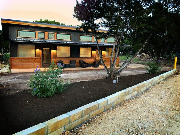Green Acres Cottages - New Braunfels Suite