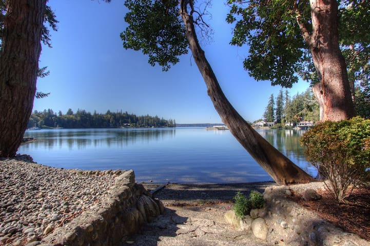 Beachfront Cabin with amazing views! (Gig Harbor) - Gig Harbor - Cabaña