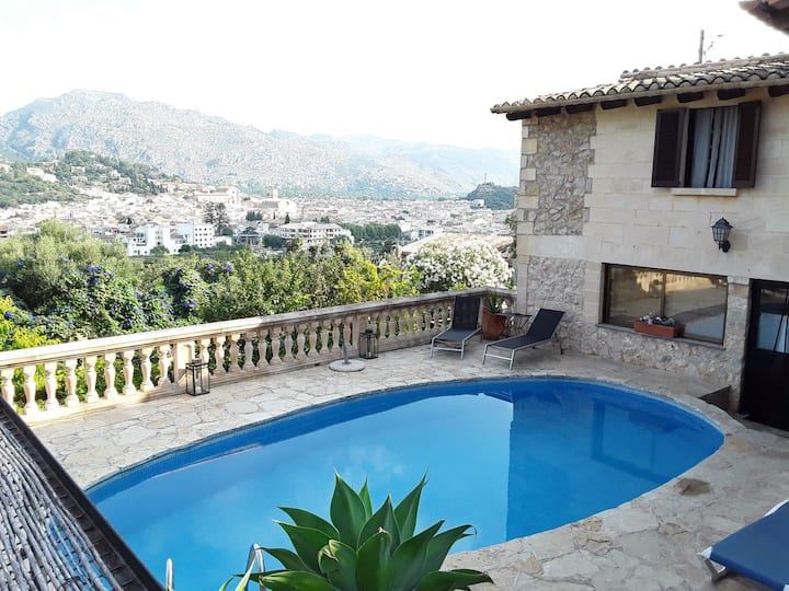 Charmy house with good views and quiet Increible