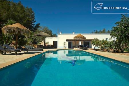 Santa Ines- peaceful charming house pool 3 bedroom - Sant Antoni de Portmany - Dom