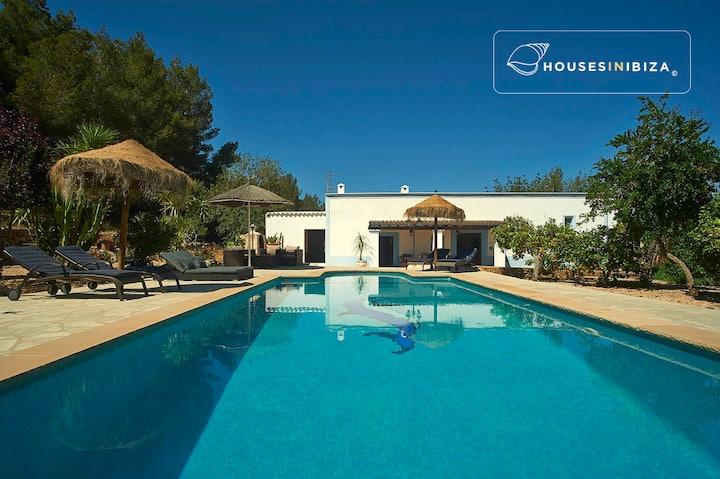 Santa Ines- peaceful charming house pool 3 bedroom