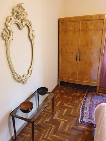 Double bedroom 1 detail