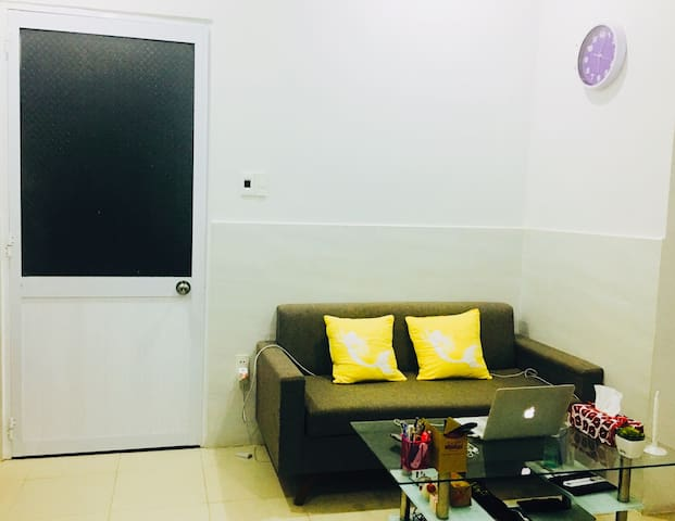 Clean-Quiet-Cheap apt at the city center