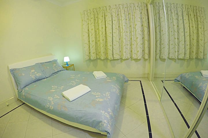 European style double room& close to the airport - Wavell Heights - Rumah
