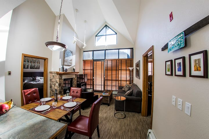 Downtown Avon condo w/ shuttle to Beaver Creek!