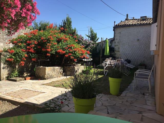 Villa entre campagne et océan - Barzan - Haus