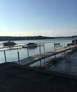 Lake Winnipesaukee Cozy Cottage - Gilford