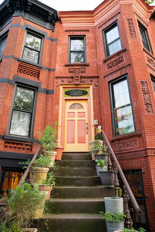 Spacious Apartment in the center of Park Slope