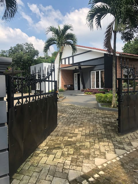 COZY HOME COTTAGE-STYLE AT SERPONG, TANGERANG