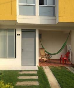 Casa E 15 Los Girasoles