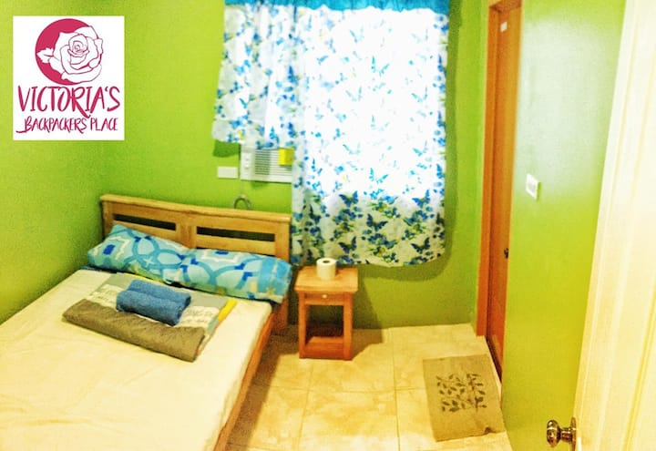 Victoria's Backpackers Place Room#3