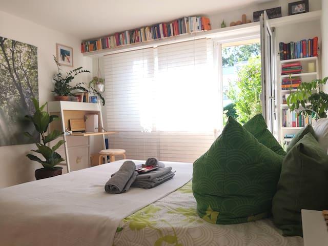 1,5 Zimmer Wohnung in Zh, hell, grün und zentral