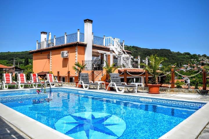 Luxury Boutique Villa Rosa dei Venti with Sea View